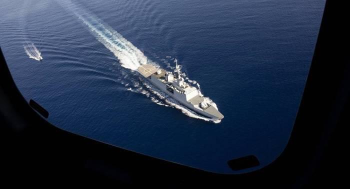 Experto militar asegura que hay un buque francés implicado en caída de avión ruso en Siria