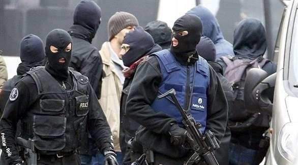 بريطانيا: اعتقال مراهقين تورطا في إرهاب يميني