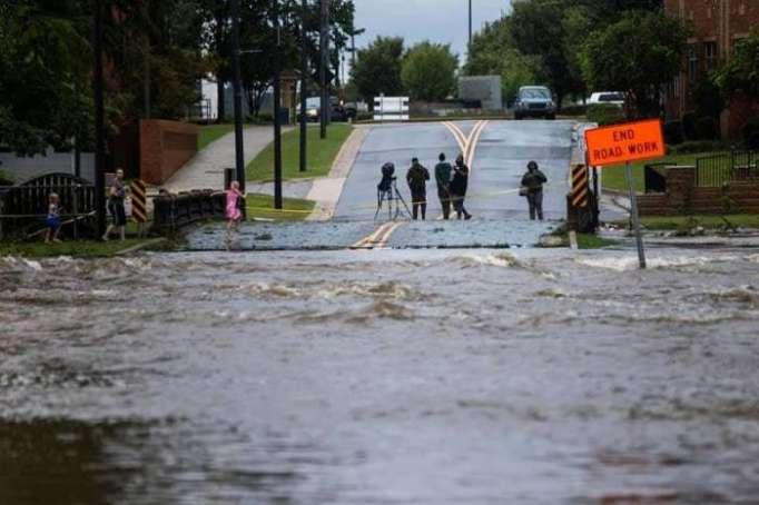 Se eleva a 32 el número de muertos por el huracán Florence