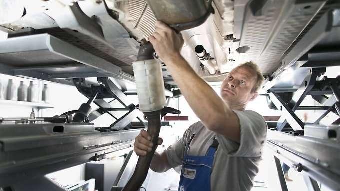 Scheuer rudert bei Diesel-Umrüstung zurück