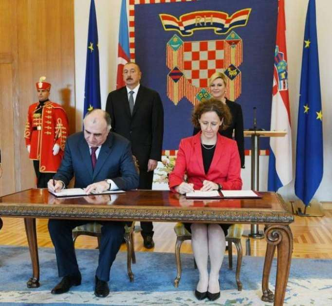 Azerbaijani, Croatian presidents make press statements -