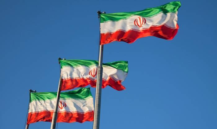 Man who set himself on fire at Tehran city hall dies