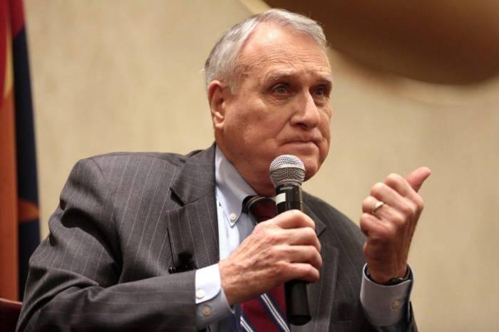 Ex-US senator Jon Kyl chosen to replace McCain on Capitol Hill