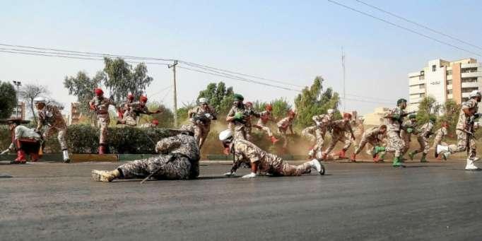 Iran : l'attaque terroriste lors d'un défilé militaire - NO COMMENT