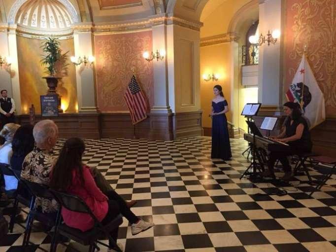 Azərbaycan musiqisi Kaliforniya Senatında