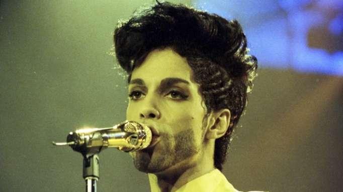 Publican un álbum de Prince con canciones inéditas escondidas entre miles de piezas