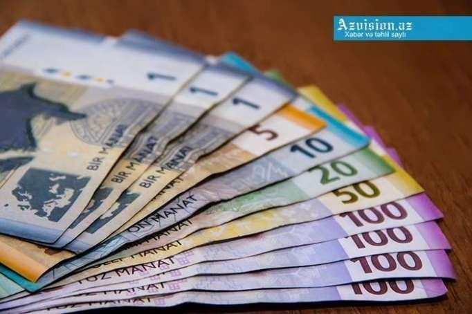 Əhalinin banklarda olan əmanətləri artıb