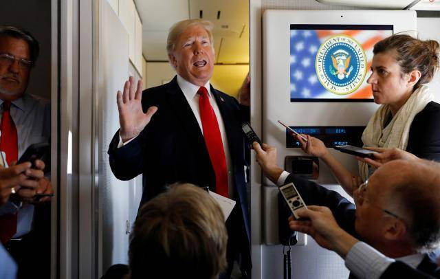 Trump calls for U.S. probe of NY Times after critical anonymous column
