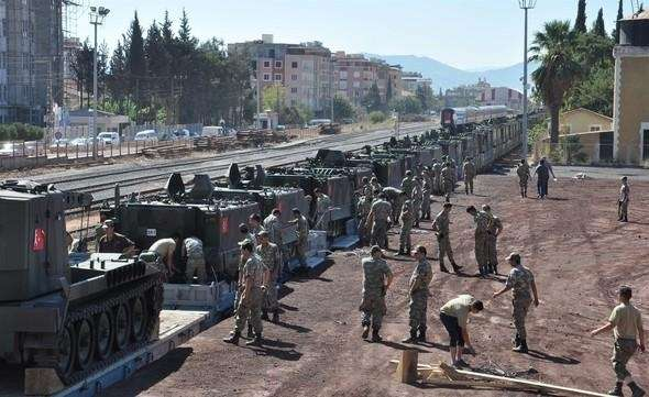 Turkey concentrating military equipment on border with Syria