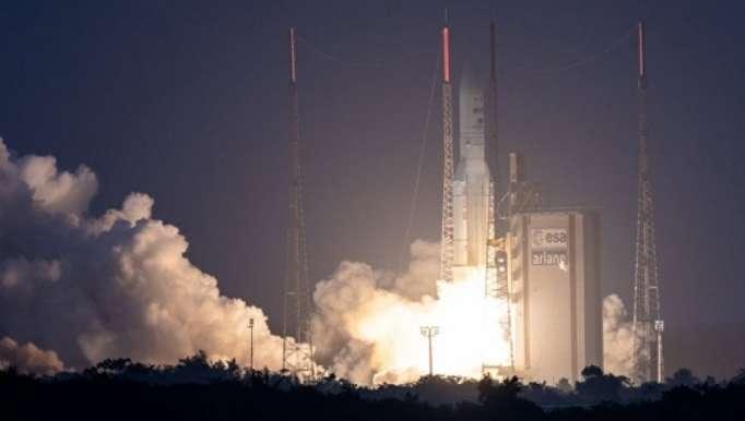 """القمر الصناعي """"Azerspace-2"""" يطلق الى المدار"""