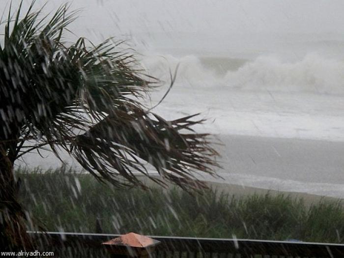 أقوى إعصار في 80 عاما يضرب فلوريدا ويخلف دمارا واسعا