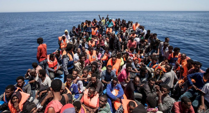 إصابة 12 جنديا مغربيا خلال منع مهاجرين من الوصول إلى إسبانيا