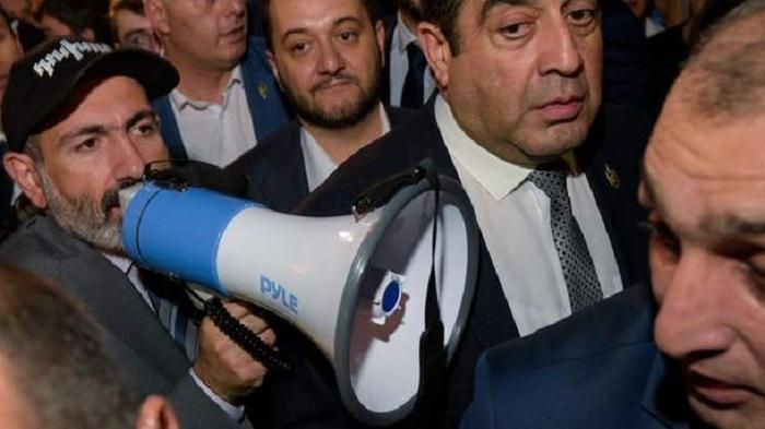 Ermənistanda gərginlik artır - Paşinyanın yalanı ortaya çıxdı
