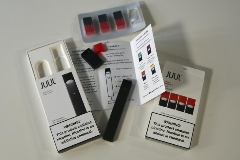 Etats-Unis: Juul, la cigarette électronique qui inquiète les parents