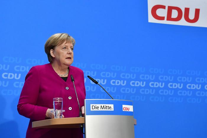 Merkel siyasətdən gedir? - Kanslerliyə namizəd olmayacaq
