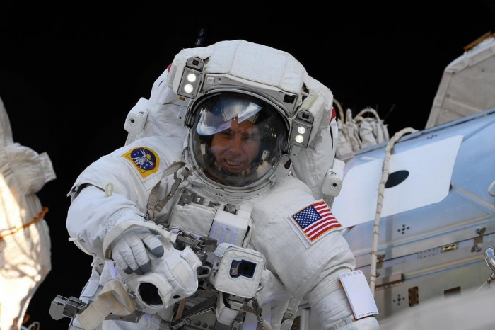 NASAastronaut Drew Feustel records music wideo from Space - VIDEO