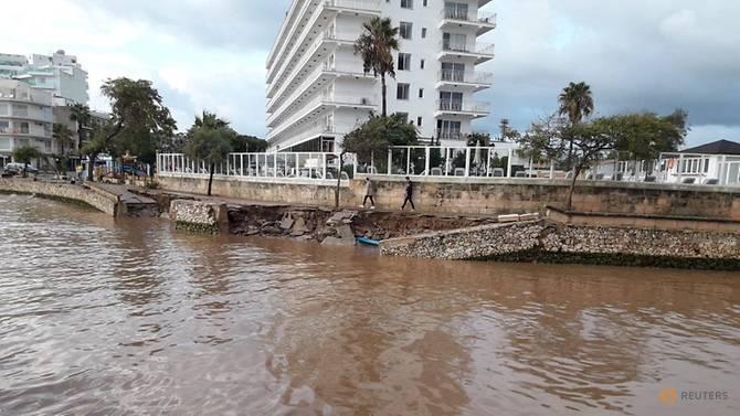 Heavy rains, floods kill at least eight on Spain