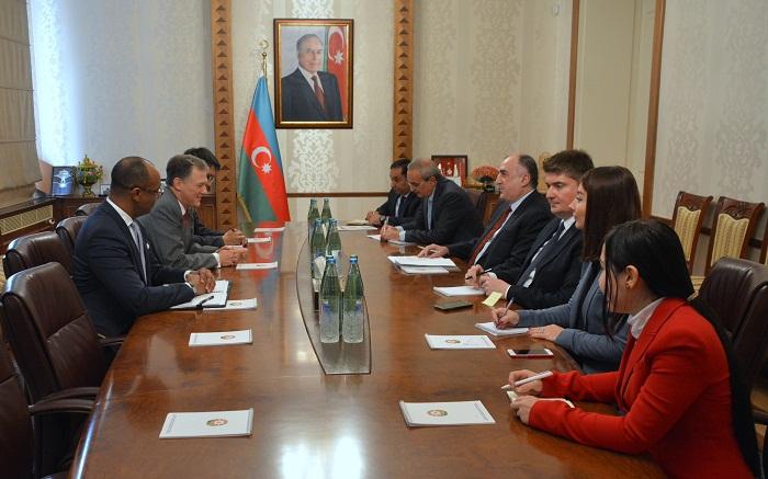 EEUU desarrolla relaciones bilaterales con Azerbaiyán- George Kent