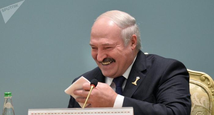 Lukashenko considera ridícula la idea de unir Bielorrusia a Rusia