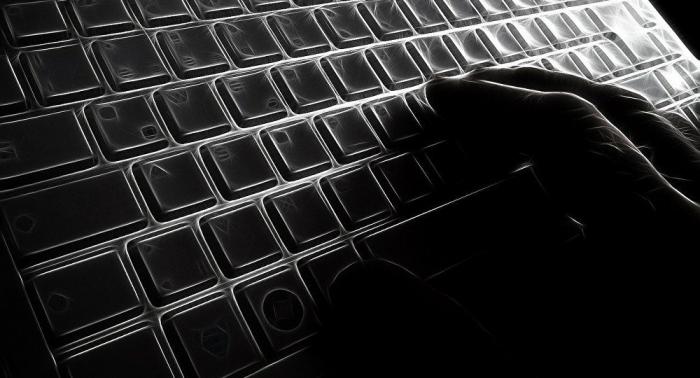 Wie Wahrheitssucher mit Schmutz beworfen werden: Internet und Medien als Kampfmittel