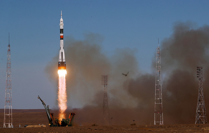 Kremlin says too early to draw conclusions on Soyuz booster's failure