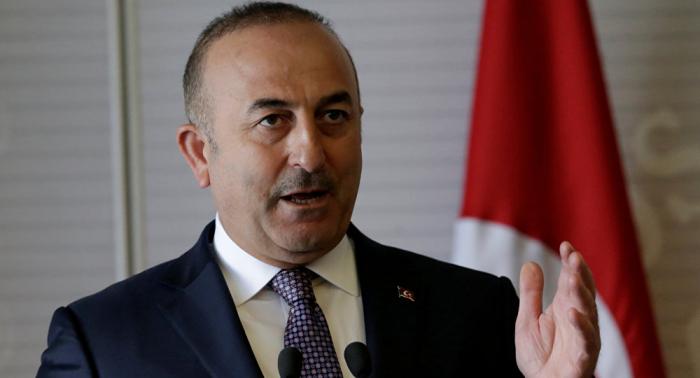 Canciller turco mantiene conversación telefónica con Pompeo tras liberación de Brunson