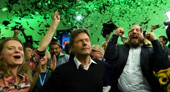 """Die Zeit der """"Volksparteien"""" ist vorbei: Bittere Blamage für CSU und SPD"""