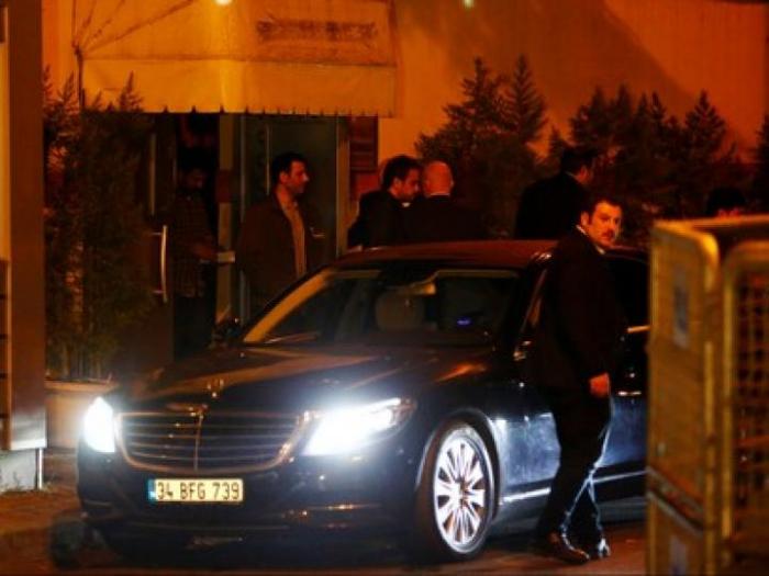 Türkische Polizisten verlassen saudiarabisches Konsulat in Istanbul