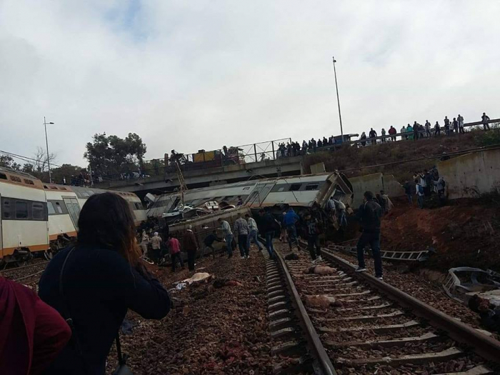 At least 4 killed, dozens injured after train derails in Morocco