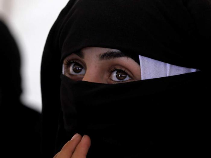 Isis abducts dozens of women and children in Deir ez-Zor