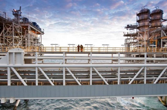 In drei Vierteljahren 4,4 Milliarden Manat in Ölsektor investiert