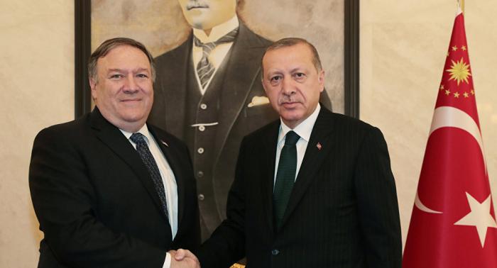 Erdogan se reúne con Pompeo en Ankara