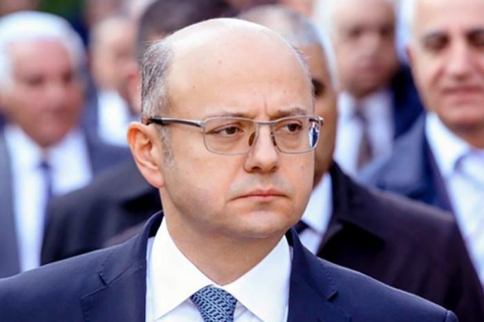Aserbaidschans Energieminister zu Besuch in China