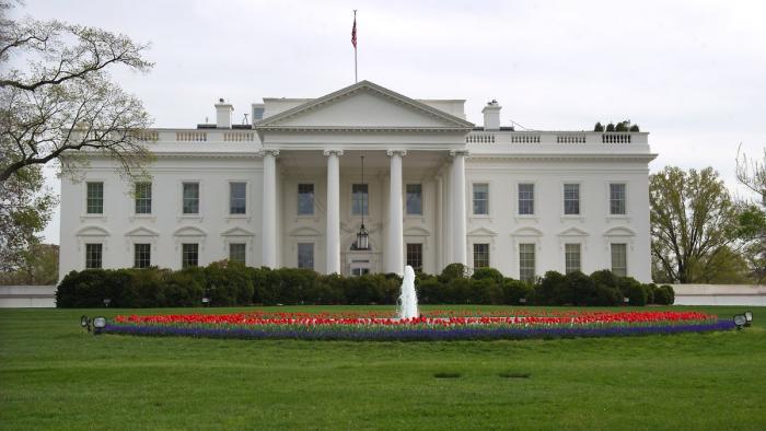 Trump-Berater streiten vor Oval Office