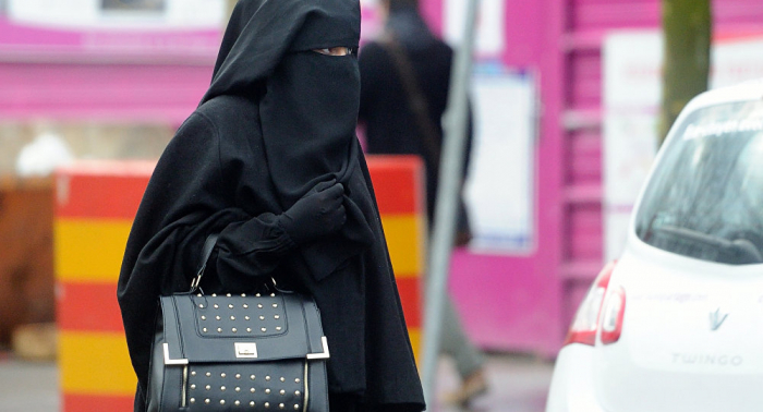 Algeria bans wearing of full-face veils at work