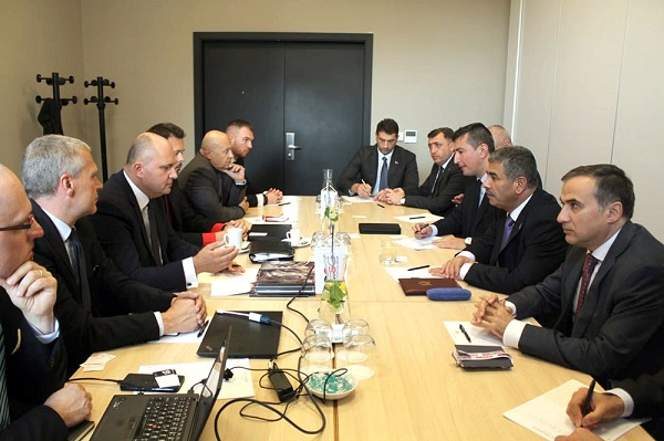 Azerbaijan Defense Minister meets with leadership of Czechoslovak Group holding company