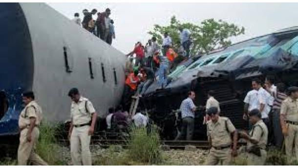 Über 60 Tote bei Zugunglück in Indien - Bahn weist Verantwortung ab