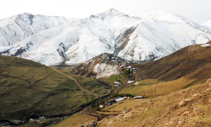 """""""The Guardian"""": Dorf Khinalyg ist eines der 10 besten Reiseziele in Europa"""