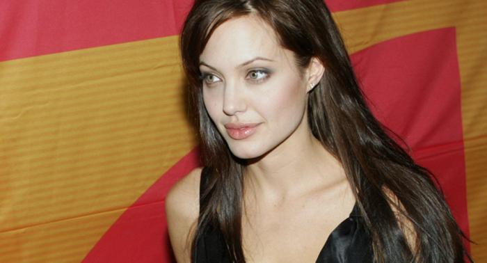 Angelina Jolie elogia valor de inmigrantes venezolanos en Perú (fotos)