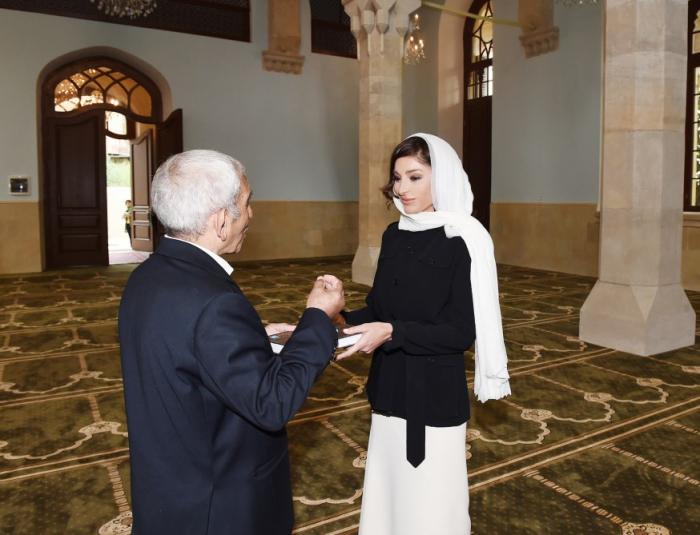 Birinci vitse-prezident İmam Hüseyn məscidinin açılışında