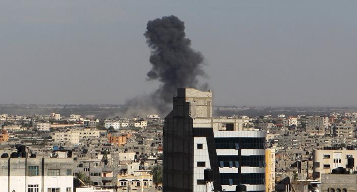 Israel bombardea Gaza en represalia por el disparo de varios cohetes
