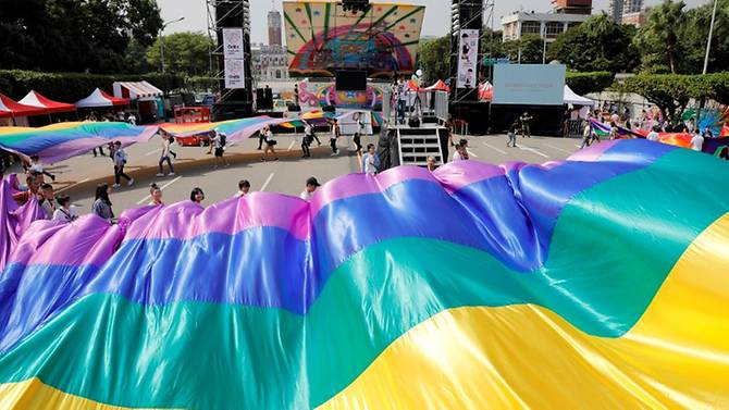 Hundreds of thousands march for marriage equality in Taiwan amid referendum debate