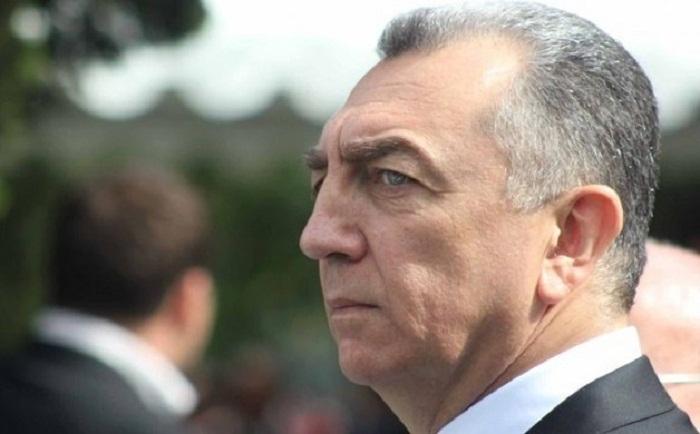 Eldar Əzizov daha bir direktoru işdən çıxardı