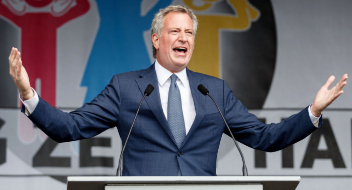 """طبيب نفسي يحذر من عواقب إدخال """"جنس ثالث"""" في نيويورك"""