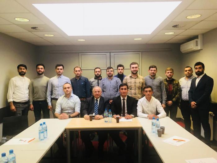 """""""Polşada Azərbaycanlı Gənclər Şurası""""nın konfransı keçirilib"""