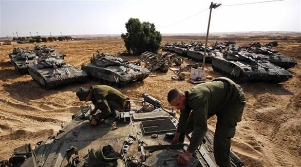إسرائيل تحشد جيشها على حدود قطاع غزة