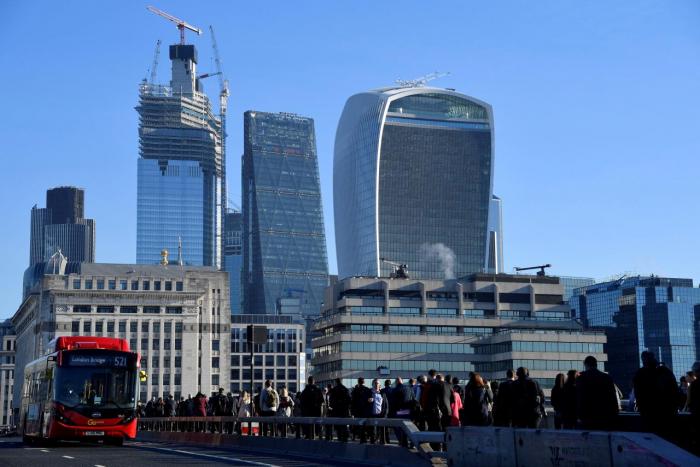 Maliyyə şirkətləri Britaniyanı tərk edir