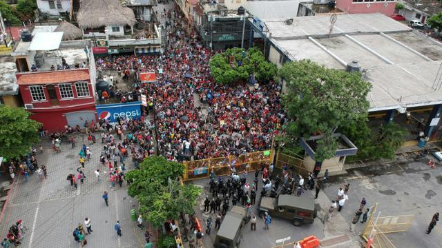 Des milliers de migrants honduriens bloquésà la frontière Guatemala-Mexique