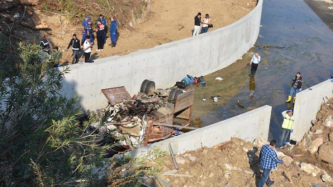 Migranten sterben bei Verkehrsunfall