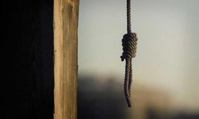 Zaqatalada qoca qadın intihar edib